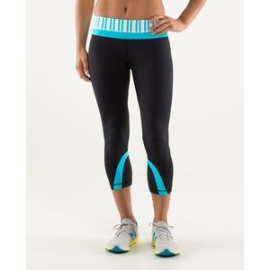 Lululemon run inspire crop II twin stripe